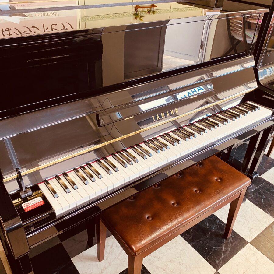 ヤマハアップライトピアノ<br>b121(新品展示品)